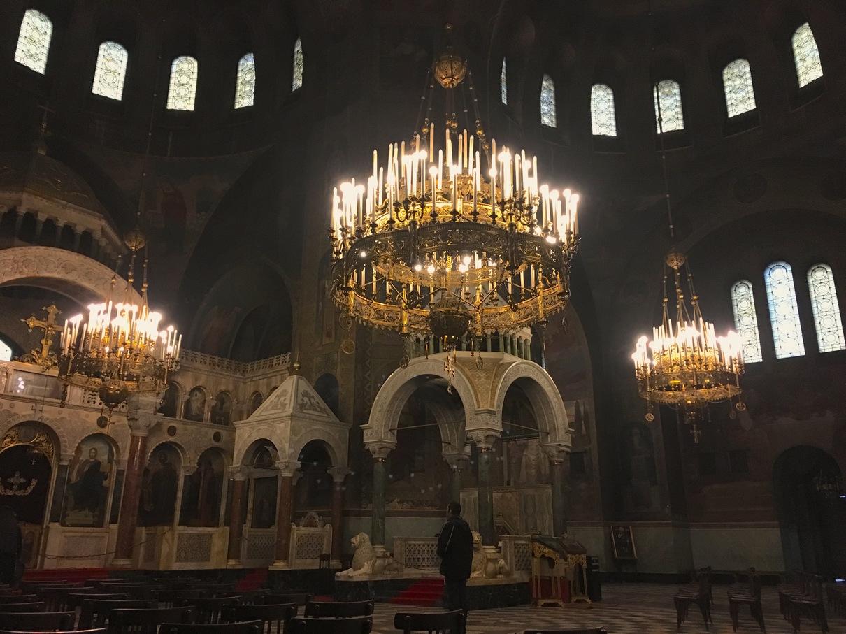 亚历山大·涅夫斯基教堂内部